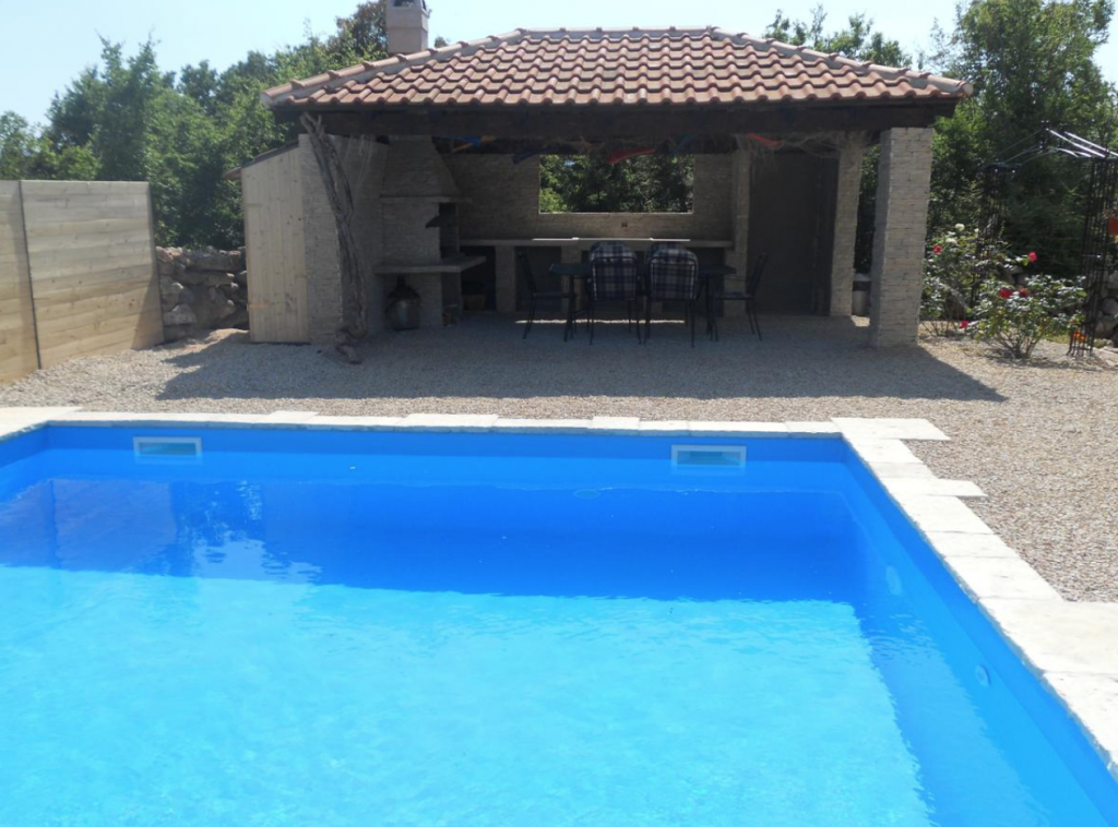 brzac-ferienwohnung-krk-mit-pool