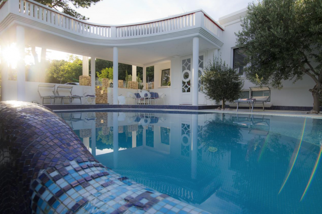 villa-by-the-pool2