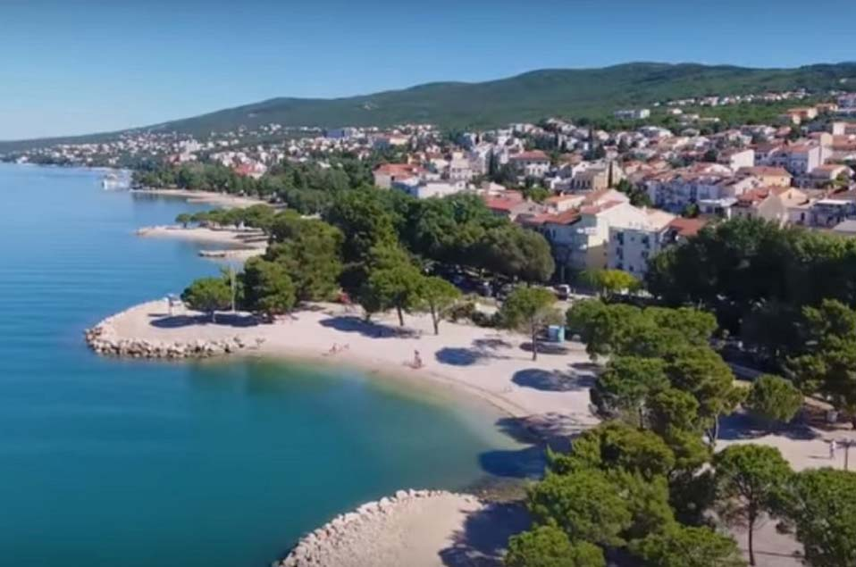 Crikvenica mit den Stränden als Reiseziele in Kroatien