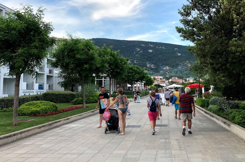 Die Promenade von Baska